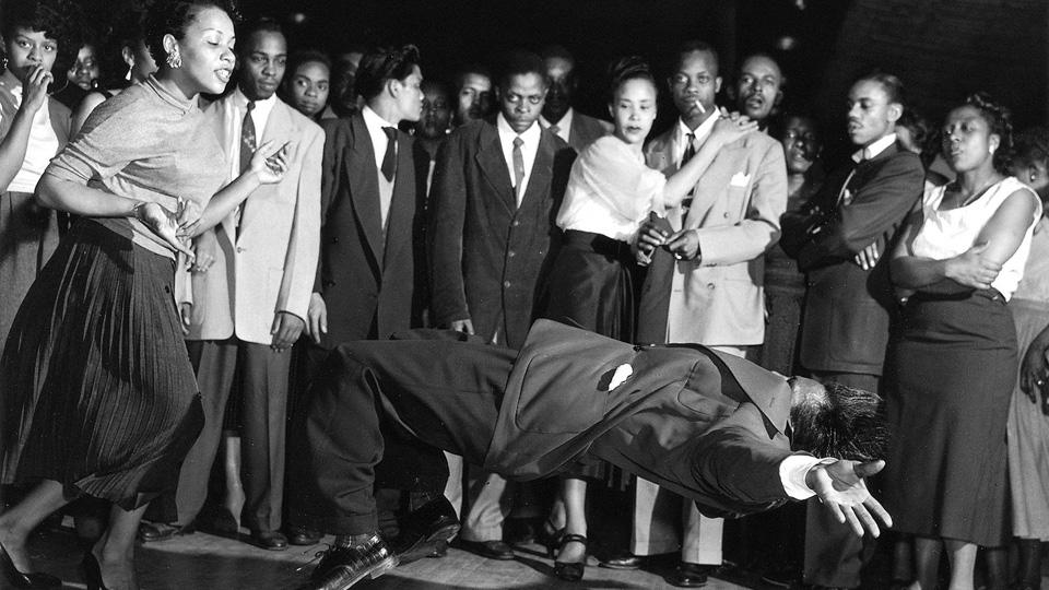 Cos'è il Lindy Hop: storia e origini del ballo swing per eccellenza