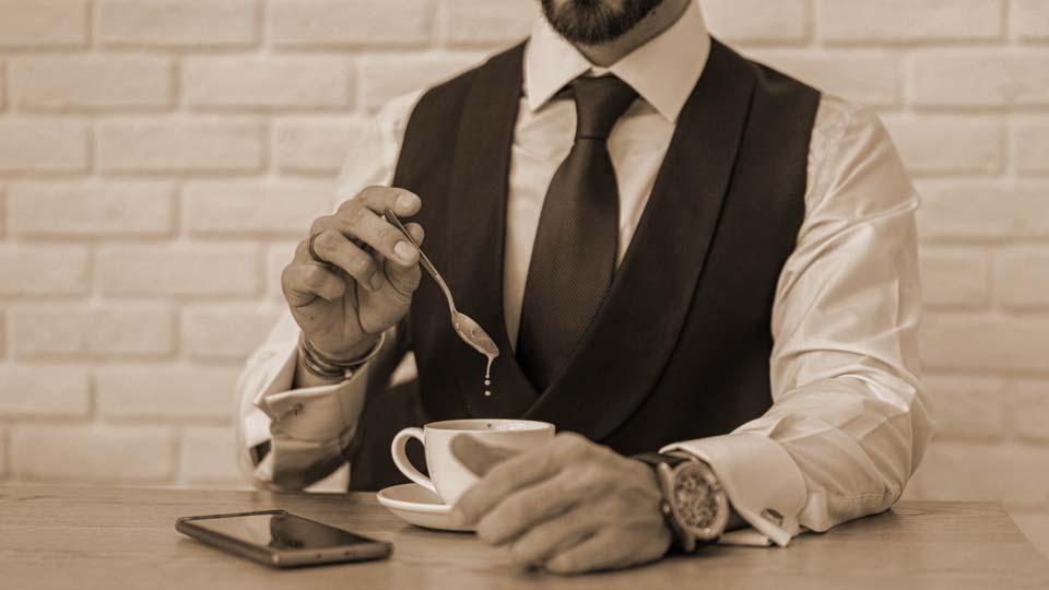 gilet-capo-maschile-vintage-elegante-come-indossarlo-con-stile