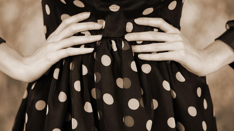 vestiti-tessuto-pois-storia-curiosita-come-abbinarlo